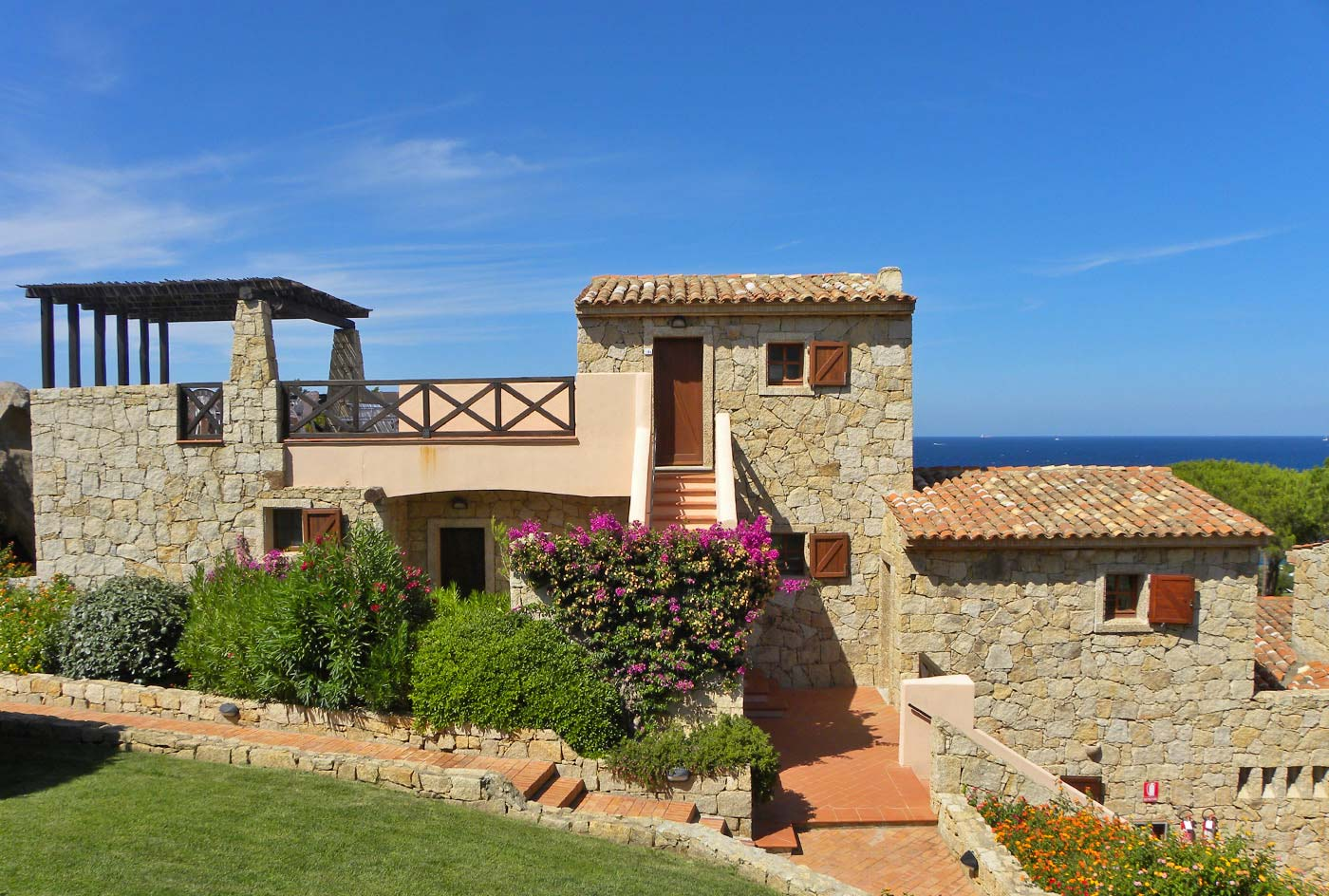 residence sul mare costa smeralda baja sardinia hotel