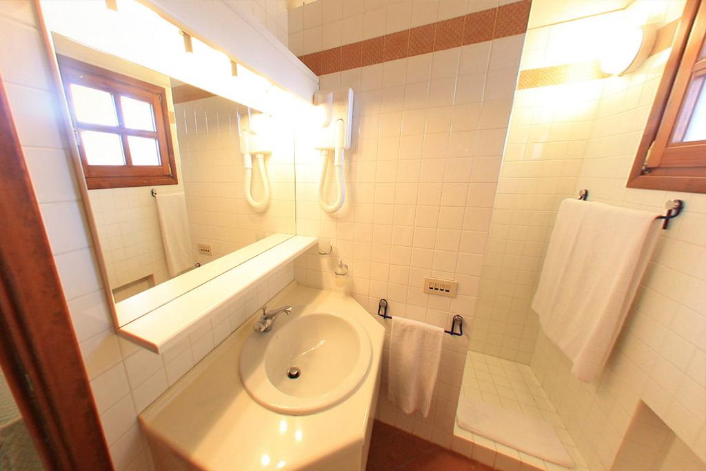 Appartamento Bilocale Hotel Porto Piccolo, residence, in Sardegna